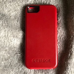 NWOT IPHONE 5 (5se) red OTTERBOX phone protectant